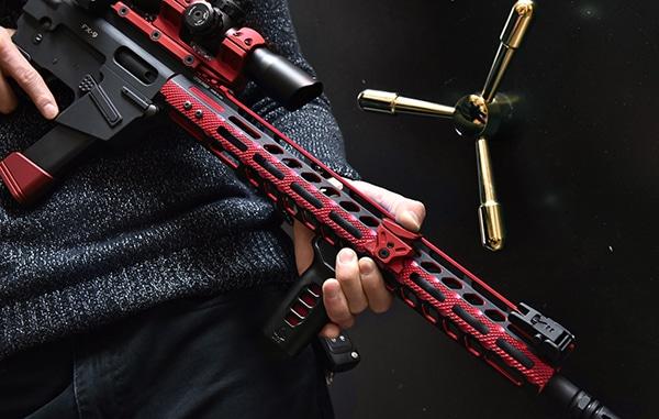 UTG PRO M-LOK® AR15 15 Inch Ultra Slim Rail, Black & Red 2-Tone-5031